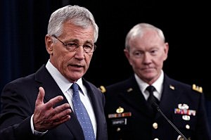 U.S. Secretary of Defense Chuck Hagel (L) and Chairman of the Joint Chiefs of Staff Gen. Martin Dempsey (R)