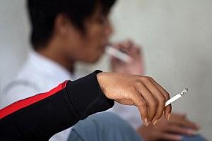 Indonesian Islamic Leaders Pass Muslim Anti-Smoking Edict