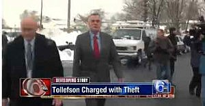 Don Tollefson turns himself into Warminster, PA police