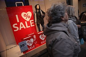 Retailers Beckon With Winter Sales