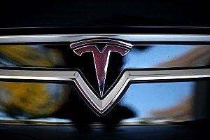 Electronic Car Maker Tesla Having Tough Time in NJ