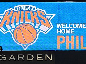 Message board welcomes Phil Jackson