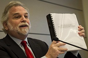 Attorney Randy Mastro shows his independent review of Bridgegate.