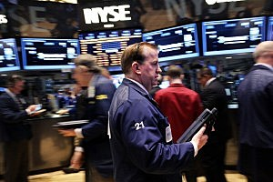 Markets Continue Downward Slide As Trading Opens