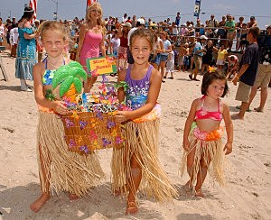 Girls on the beach in Ocean City