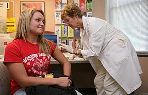 University Of Iowa Begins Vaccinating Students For Mumps