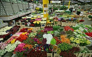 New Covent Garden Flower Market Gears Up For Valentines Day