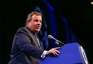 New Jersey Gov. Chris Christie delivers an address at the GOP's Statesmen's Dinner