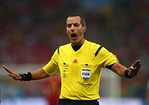 Referee Mark Geiger