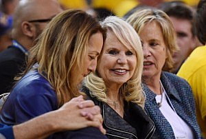 Shelly Sterling (C), the wife of Donald Sterling owner of the Los Angeles Clippers,