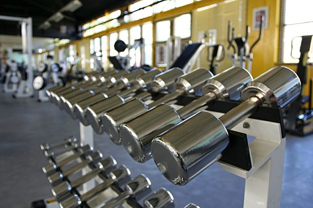 Learn the proper way to lift weights