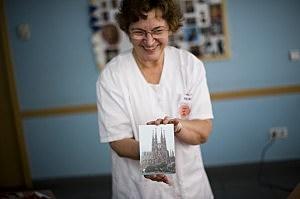 Social worker with an Alzheimer patient