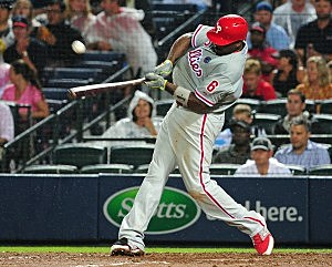 Ryan Howard #6 of the Philadelphia Phillies knocks in two runs with a sixth inning single inning