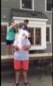 Chris Christie taking the Ice Bucket Challenge - Youtube