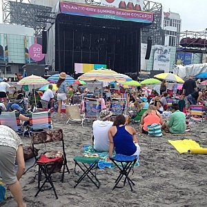 Early arrivals for the free Lady Antebellum concert in Atlantic City