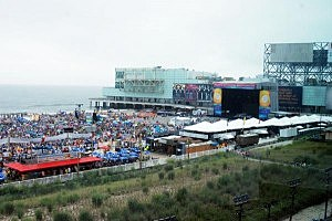 The beach crowd for Lady Antebellum's free concert on the beach in Atlantic City