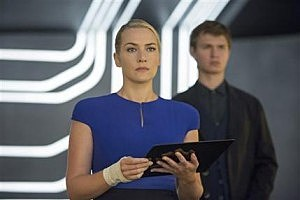 """Kate Winslet, left, as Jeanine, and Ansel Elgort, as Caleb, in a scene from the film, """"The Divergent Series: Insurgent."""""""