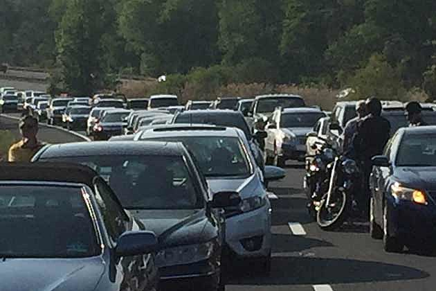 Overturned Jeep On Parkway Leads To Big Delays On Ride Home