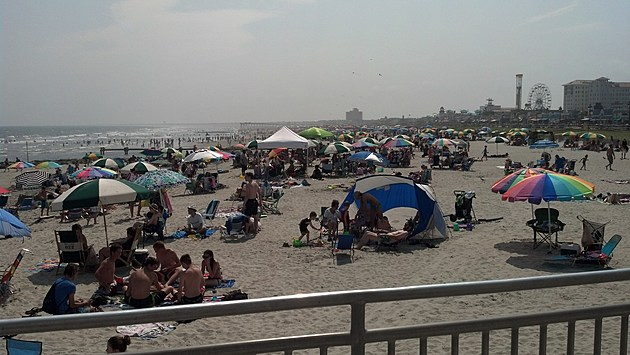 Crowded-Ocean-City-NJ-Beach