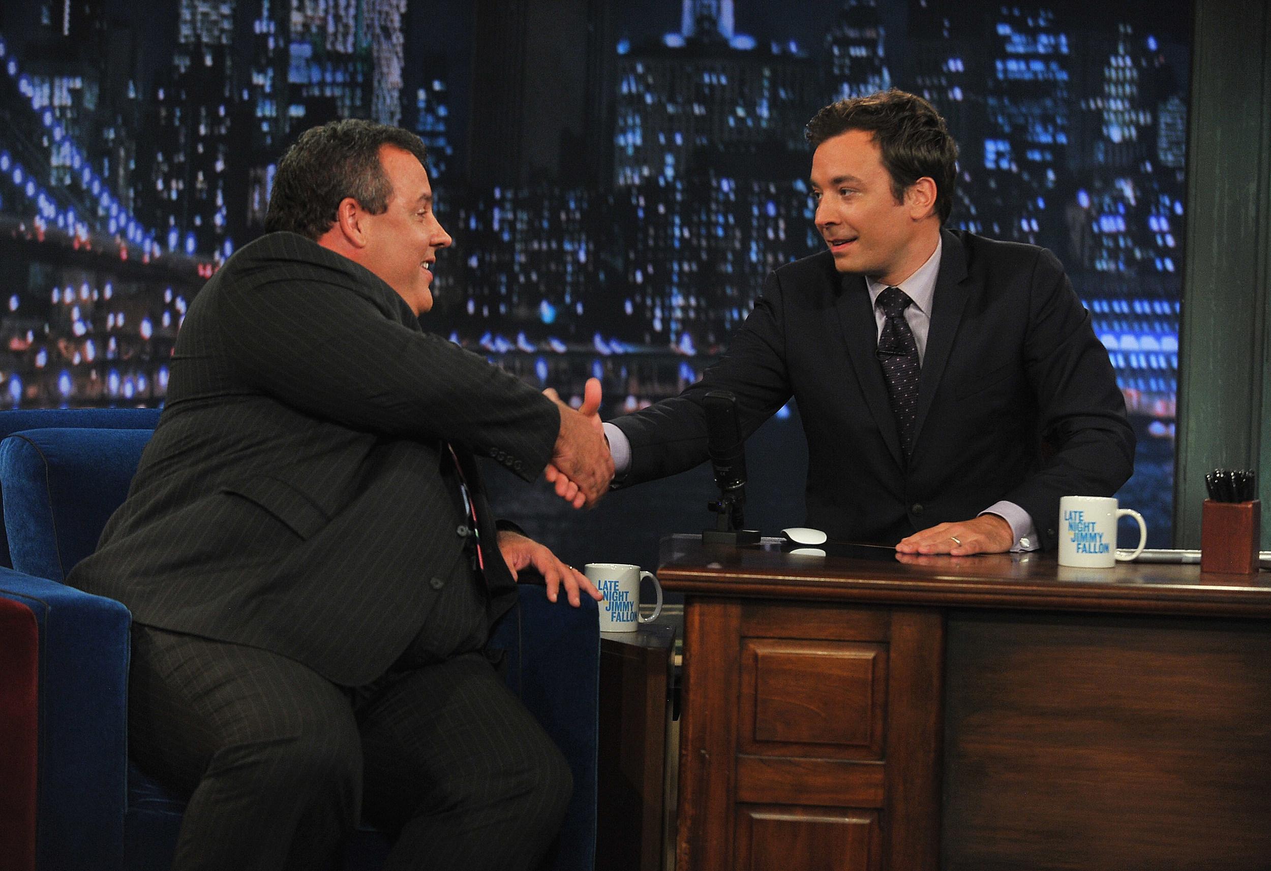 Watch Chris Christie Explain His Awkward 'Hostage' Face on Jimmy Fallon
