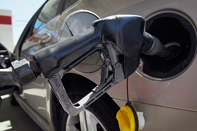 National Average Of Gas Prices Drops Slightly Over Last 2 Weeks