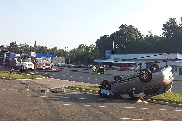 Rt 9 In Freehold Closed Due To 3 Car Crash Police Say