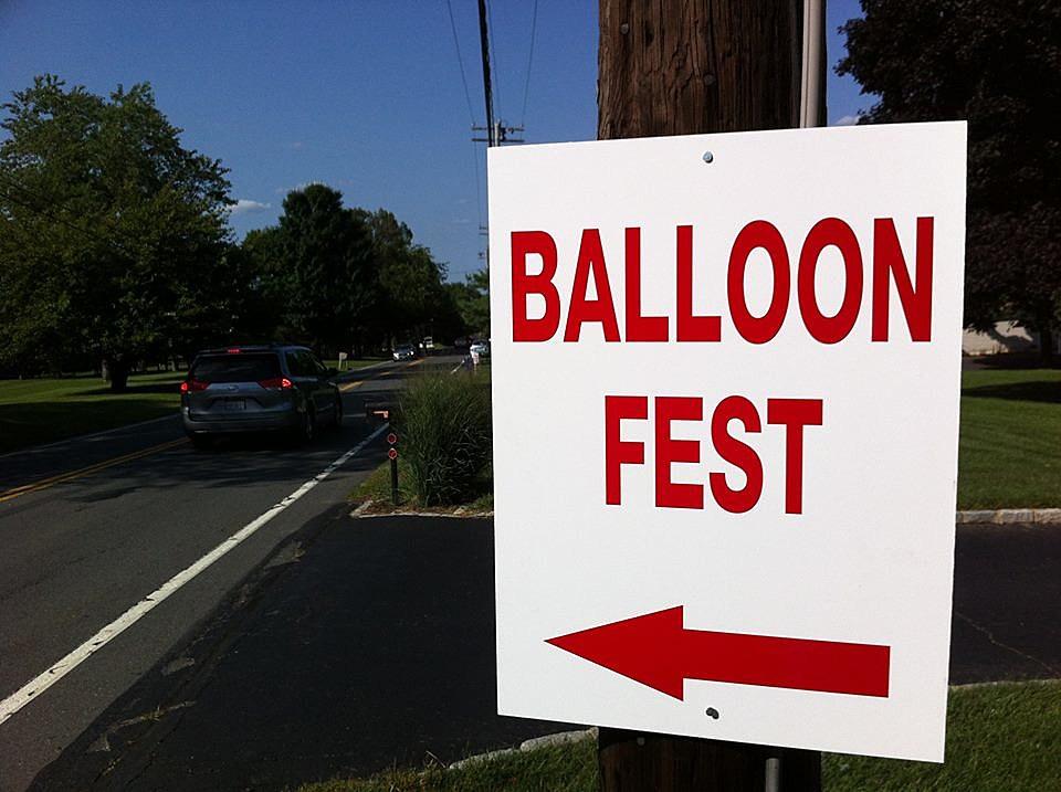 Follow the signs to the balloons! (Craig Allen photo).