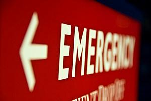 Emergency Arrow Sign (Braden Gunem, ThinkStock)