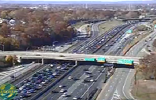 A Weekend Of Painful Parkway Traffic Continues On Sunday