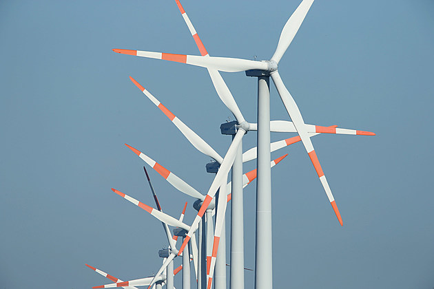 NEEBRANDENBURG, GERMANY - OCTOBER 17:  Wind turbines spin at a windpark on October 17, 2012 near Neubrandenburg, Germany. Germany's electricity network operators recently announced that they will raise the charge to consumers for subsidizing renewable energy investments by 50%. (Photo by Sean Gallup/Getty Images)