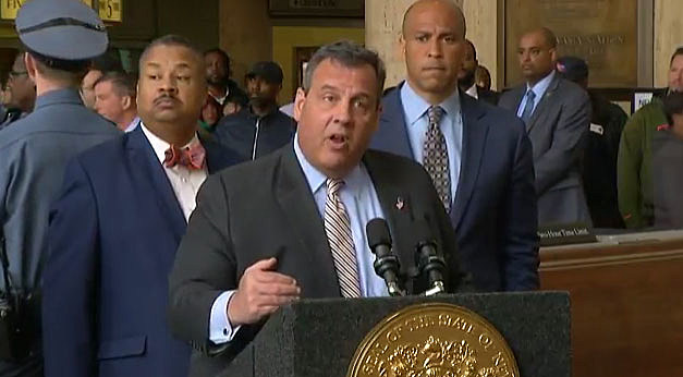 (L-R) Rep. Donald Payne, Gov. Chris Christie and Sen. Cory Booker at a press conference at Newark Penn Station