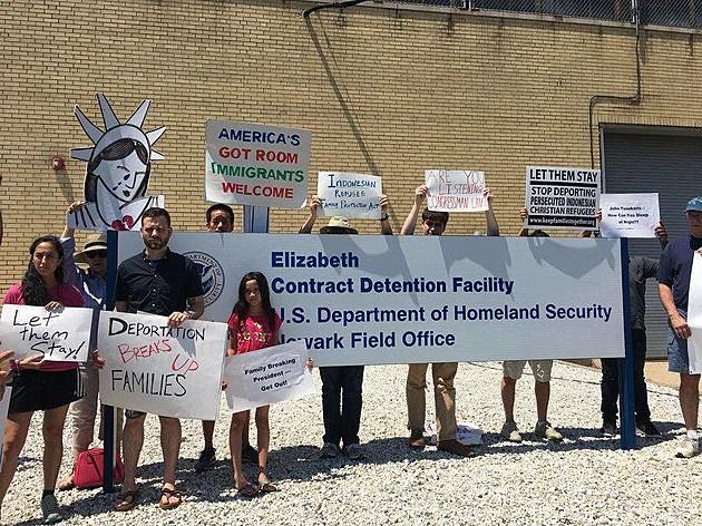 Protesters outside the Elizabeth Detention Center