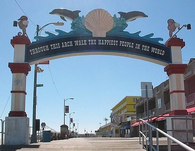 Entrance to the North Wildwood boardwalk