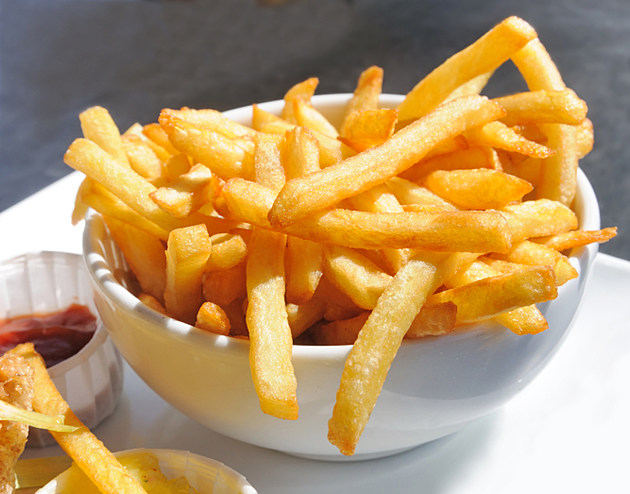Golden French fries potatoes ready to be eaten (ThinkStock)