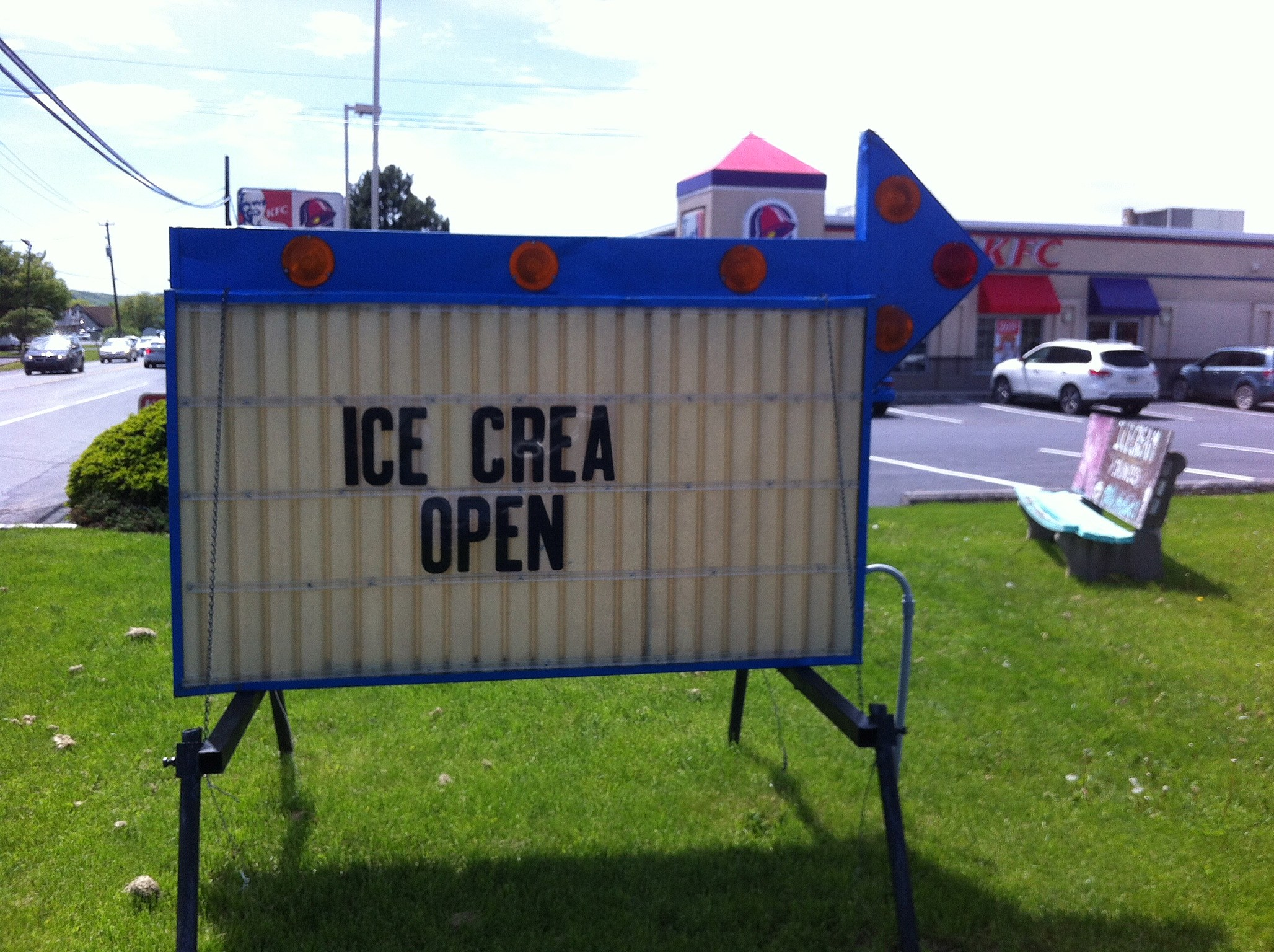 """Crea?"" Crazy! (Craig Allen photo)."