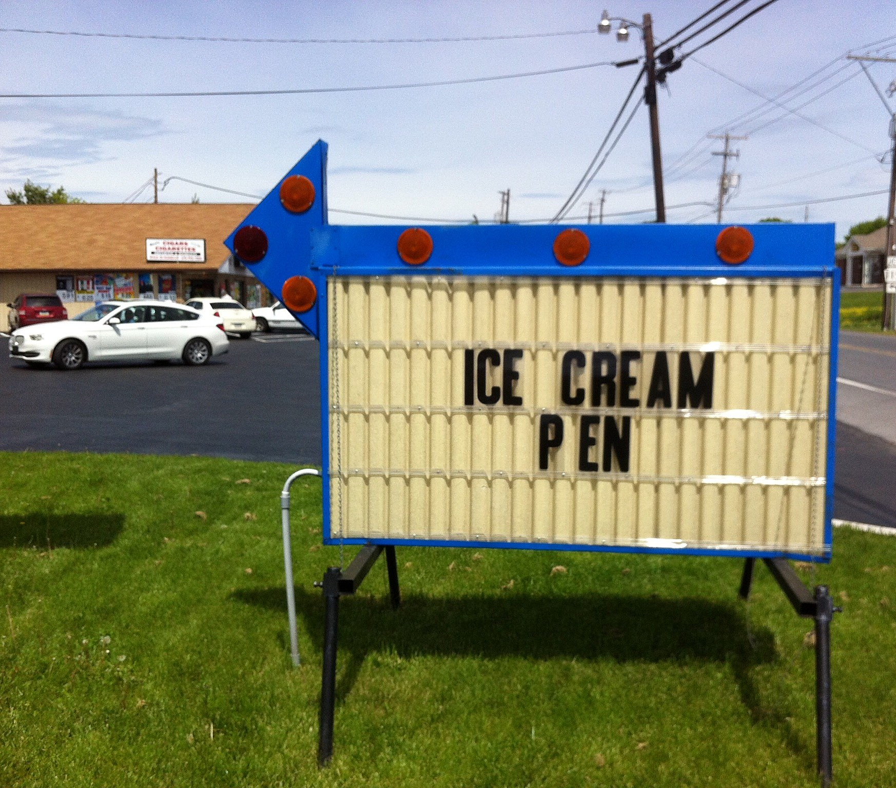 "I've heard of a gallon of ice cream. A ""pen?"" (Craig Allen photo)."
