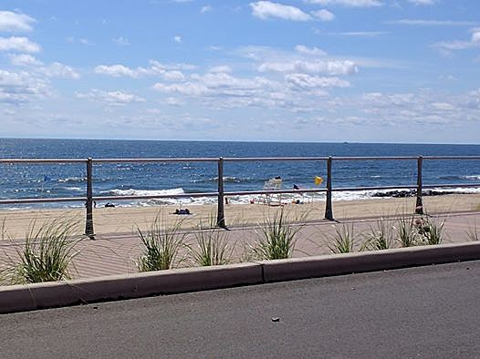 String of NJ beaches closed due to bacteria from animal poop