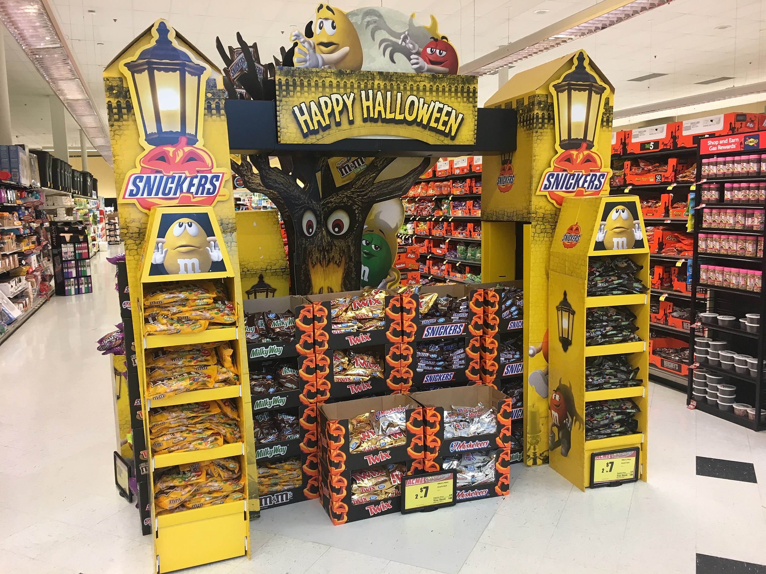 Stop the Insanity! Halloween displays are in Jersey stores already