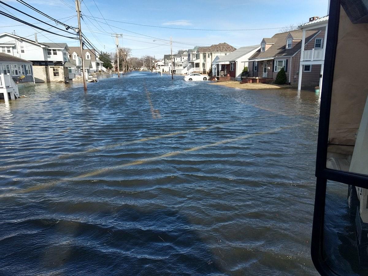 Stuck coastal storm: Coastal flooding, 30-40 mph winds, some rain
